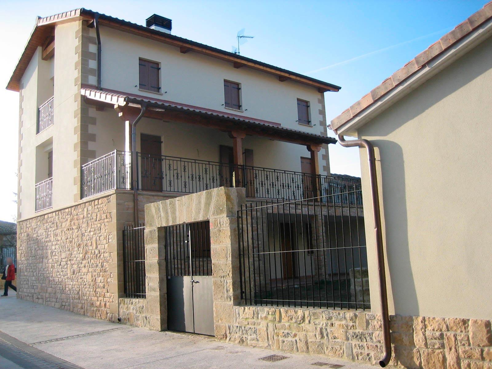 Vivienda Nueva Urroz Villa